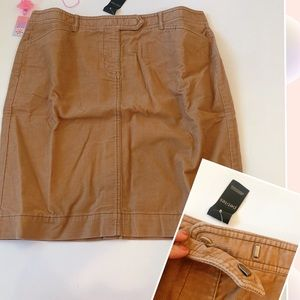 New With Tag-Ann TAylor Loft corduroy skirt 10P
